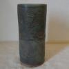 Skladem - 500 Kč, kameninová váza celoglazovaná do zelena a rytými lístky